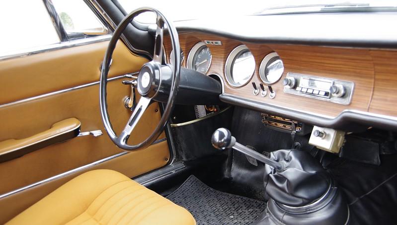 Alfa Romeo Sprint Gran Tourismo 1300 Junior Bertone ( Giorgetto Giugiaro ) -  51396176399_396b5d03d3_c