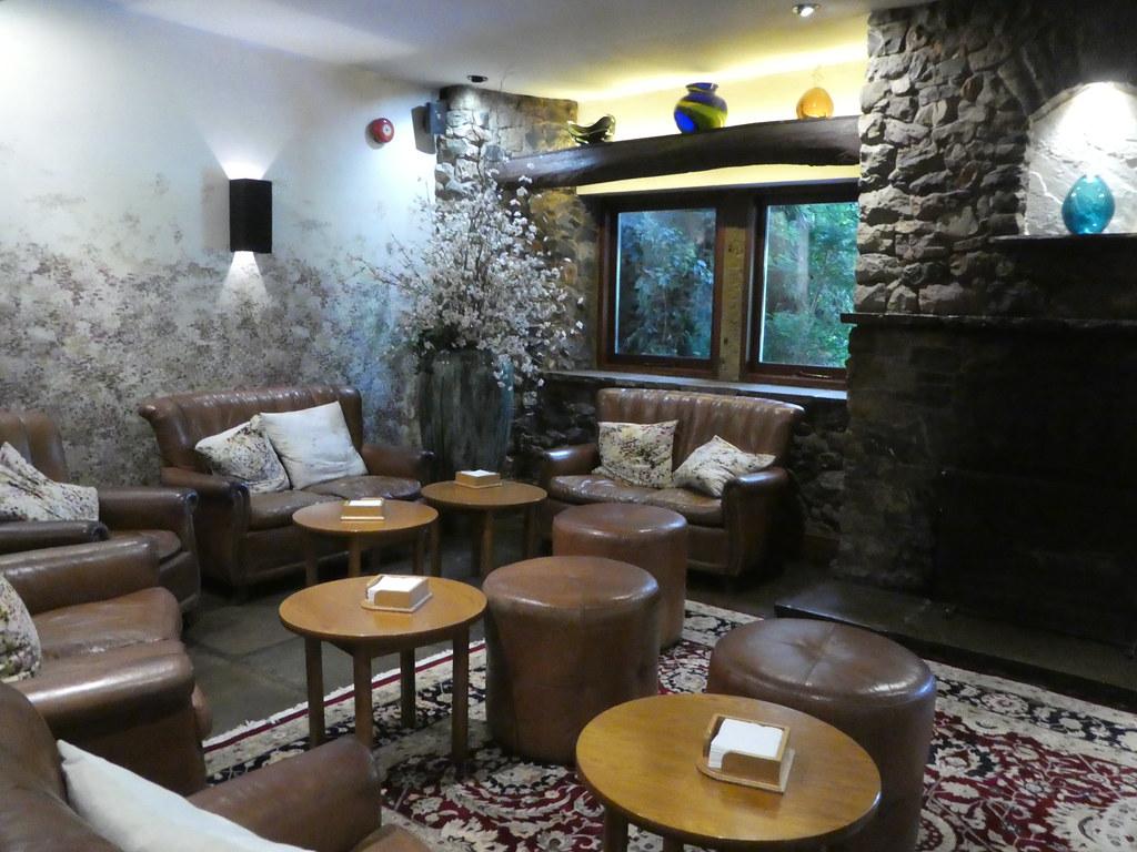 Bar lounge, Gibbon Bridge Hotel, Chipping