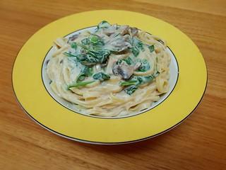 Creamy Mushroom Fettuccine Alfredo