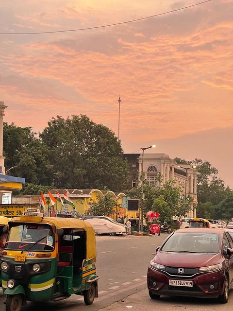 City Hangout - 7 pm Monsoon Sky, Barakhama Traffic Light