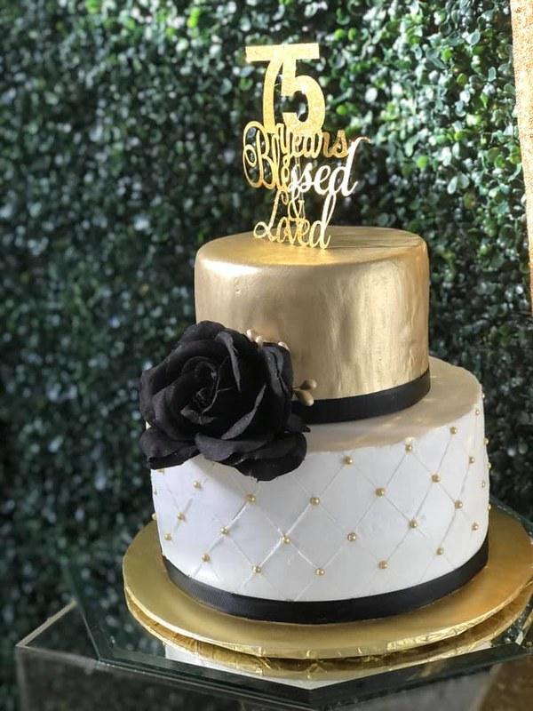 Cake by LarryKakes & Things