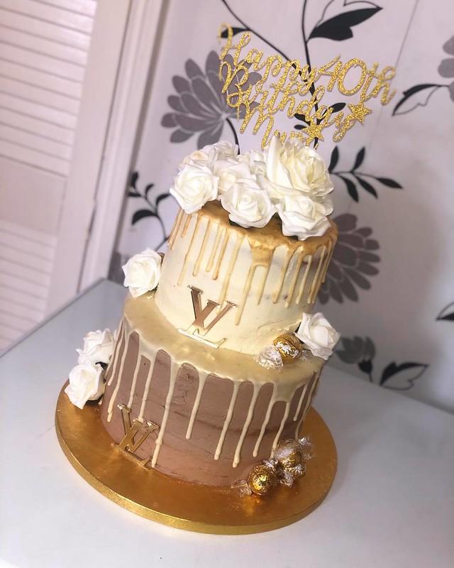 Cake by Jade's Cakery