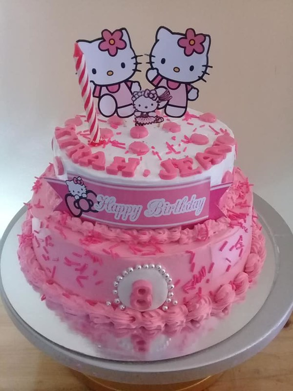 Cake by Babe's Cakes & Cupcakes