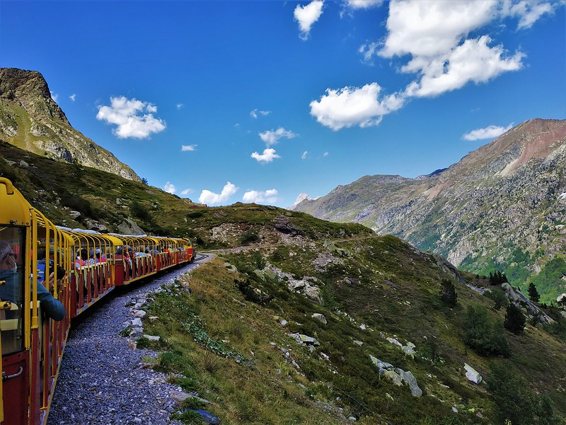 Viatge Cultural: Jaca-El Tren del Llac d'Artosta-Panticosa-Pau
