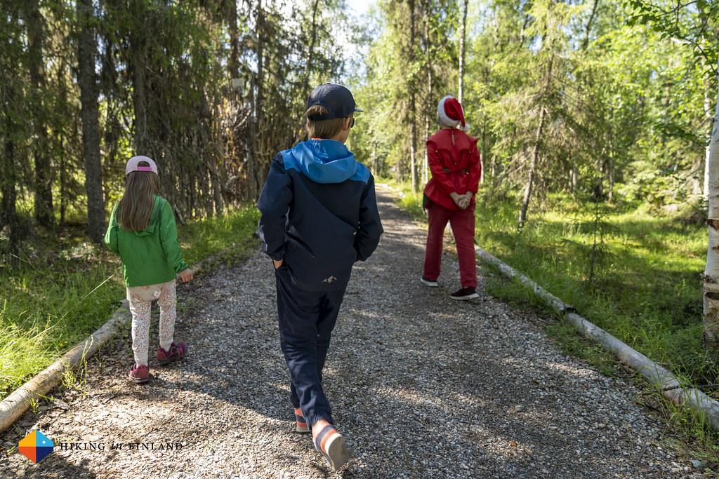 Following the Guide at Tonttula