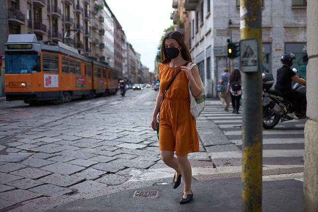 Milano Street Walking - Color Matching