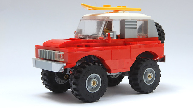Rock Crawler Chassis with SUV Car Body MOC - 4K)