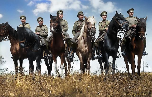 A group of mounted scouts   Группа разведчиков на лошадях 1914-1917