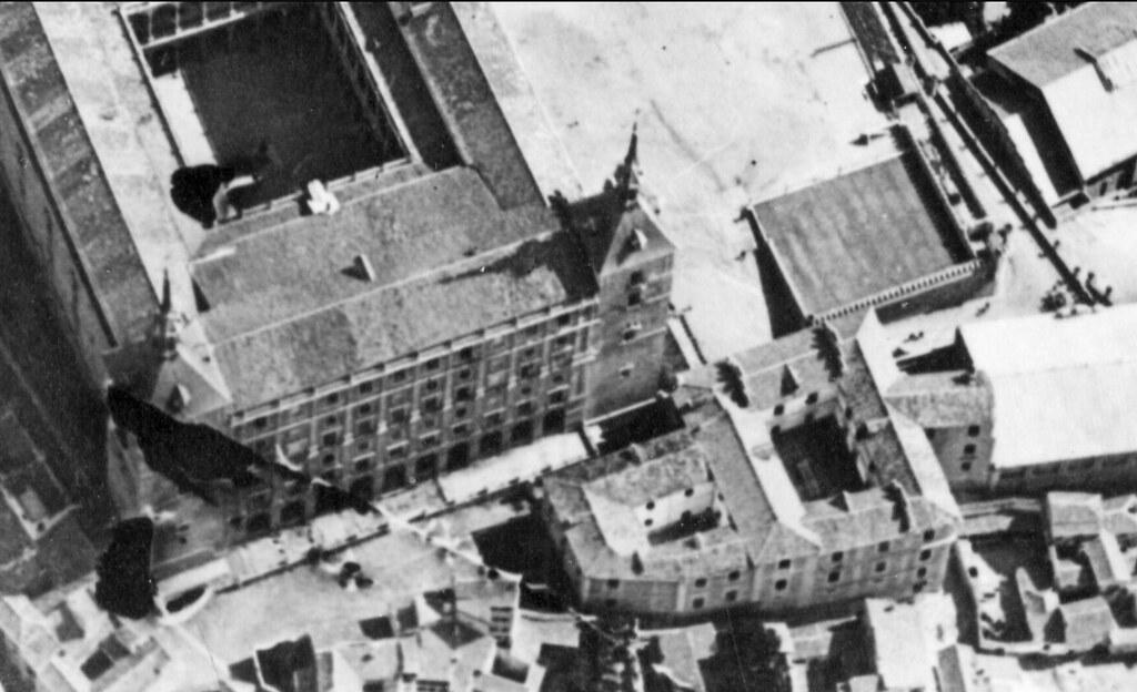 Convento de Capuchinos junto al Alcázar hacia 1915. Detalle de una foto aérea tomada durante el vuelo del capitán Juan Vallespín Zayas.