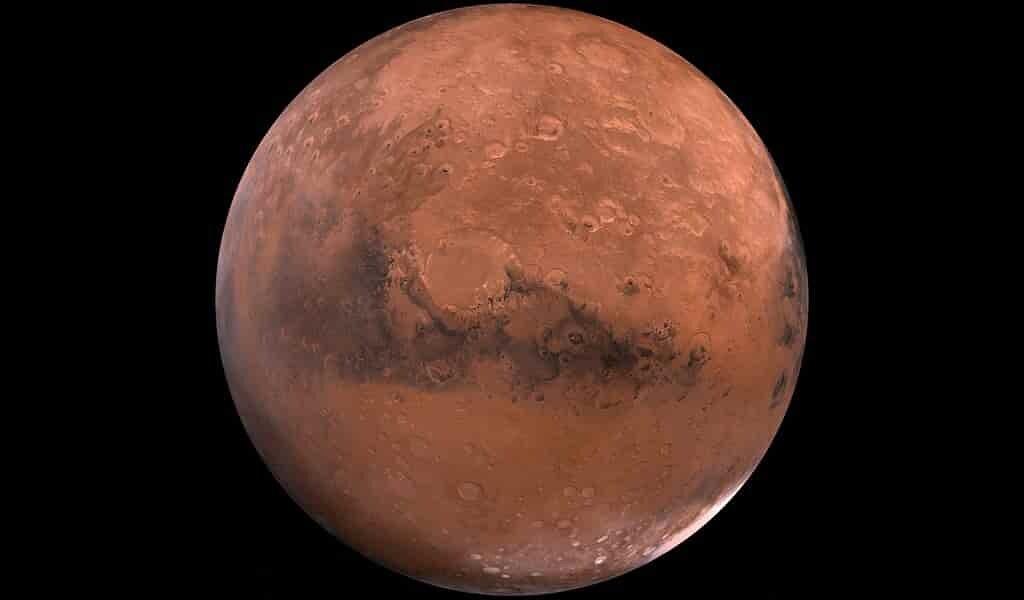 La neige martienne est poussiéreuse et pourrait potentiellement fondre