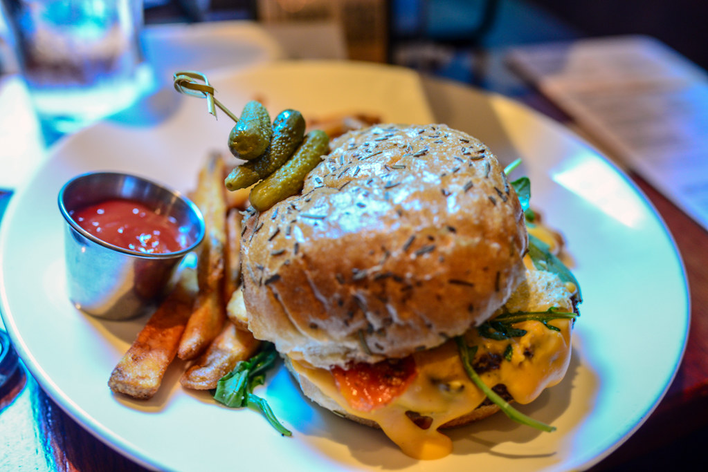 Hearthstone Lounge cheeseburger