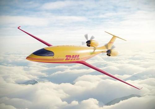 DHL Express startet in emissionsfreie Zukunft der Luftfahrt