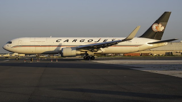 C-FGSJ_JFK_Taxiing_Out_31L_W8_B767_39H_ER_BCF