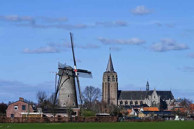 molen De Arend en Sint-Lambertuskerk