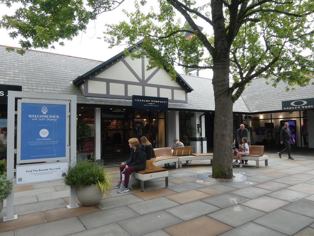 Cheshire Oaks Designer Outlet Village