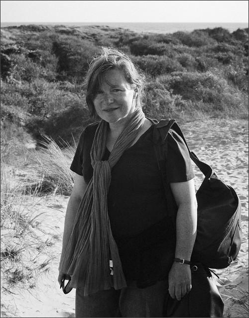 portrait venteux d'Isabelle - Côte d'Opale - août 2011