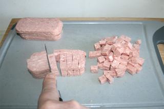 04 - Cube meat / Fleisch würfeln