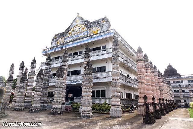 Sala Keoku Nongkhai Thailand complex