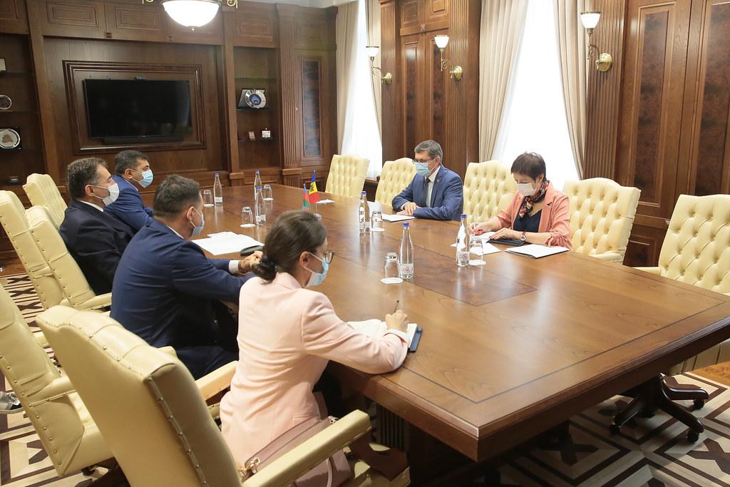 25.08.2021 Întrevederea Președintelui Parlamentului RM, Igor Grosu, cu Ambasadorul Republicii Azerbaidjan, Gudsi Dursun oglu Osmanov