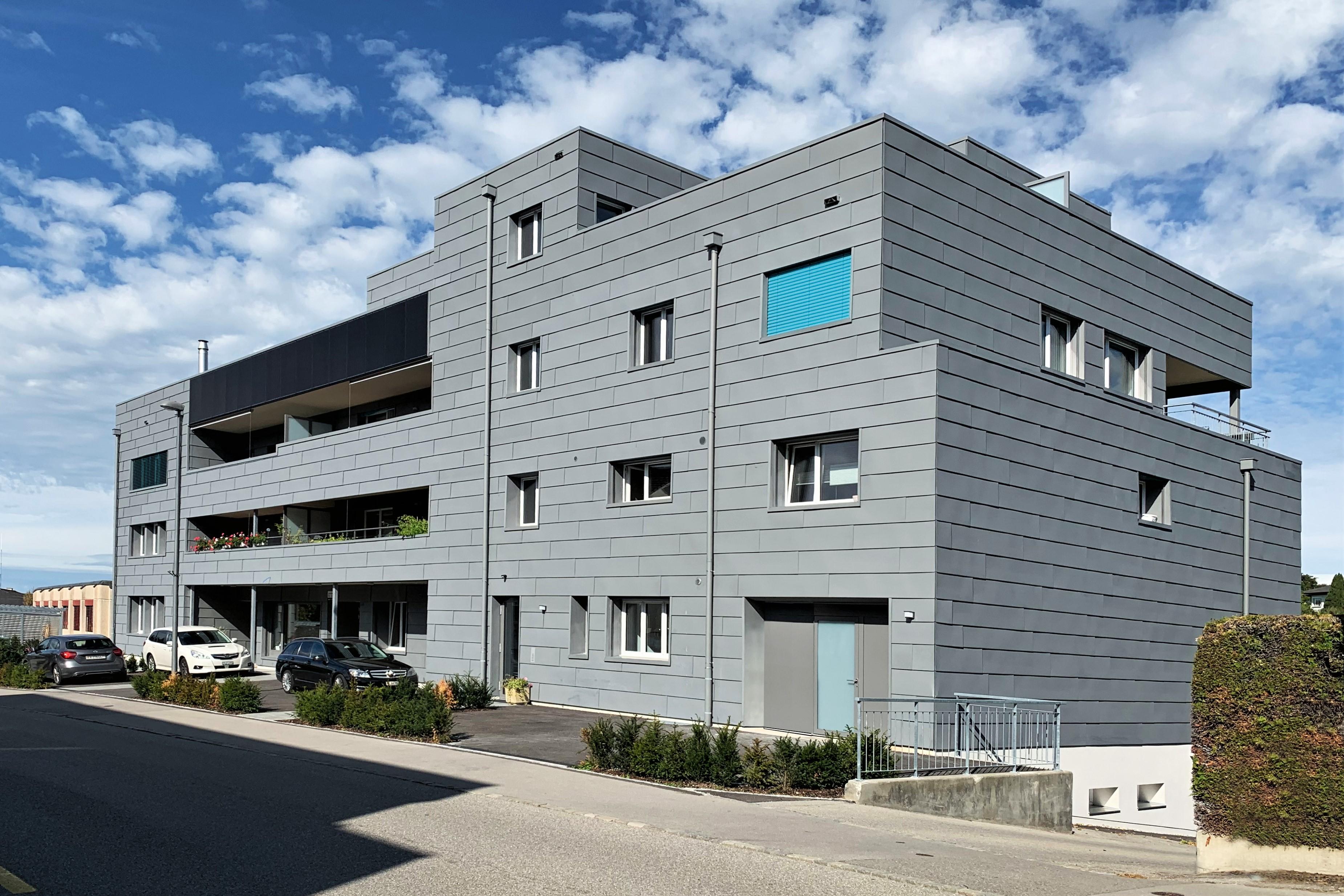 Düdingen FR  -  Mehrfamilienhaus