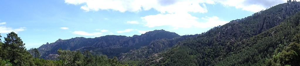 Panoramique dans la descente au-dessus de l'Osu