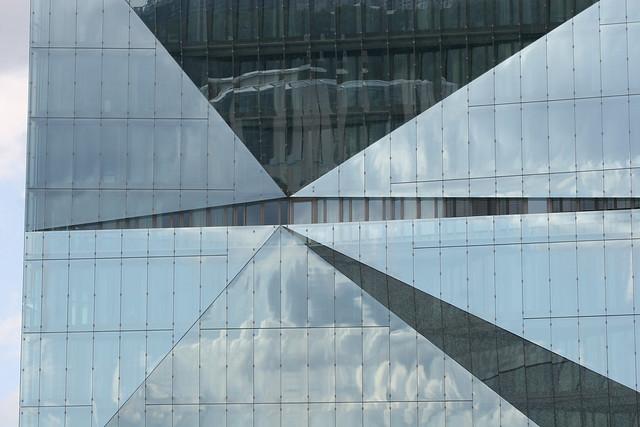 2017/20 Berlin Detail cube berlin Bürogebäude 10Et. von 3XN aus Kopenhagen Washingtonplatz in 10557 Moabit