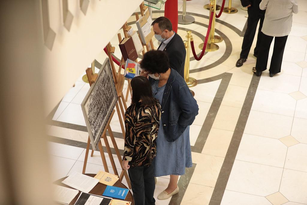 26.08.2021 Expoziția de documente și fotografii, dedicată aniversării a 30-a a Independenței Republicii Moldova