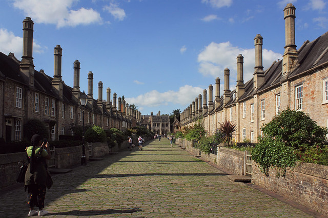 Canon EOS 60D - Vicar's Close near Wells Cathedral