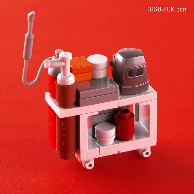Lego Iron Man Welding Cart - Hall of Armor (Tutorial)