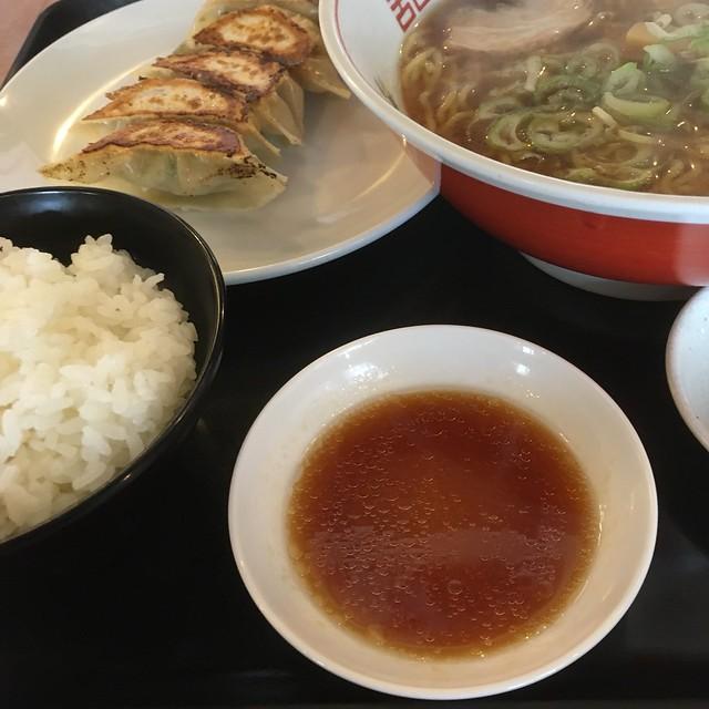 北京のラーメン定食!w