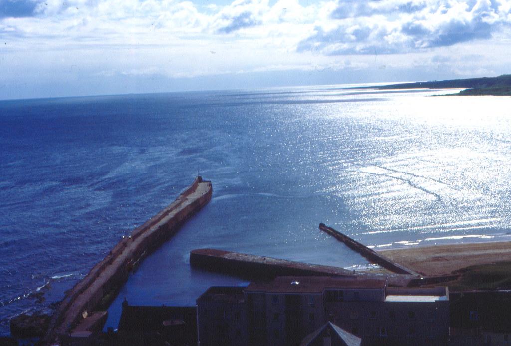 1985 05 - St Andrews harbour