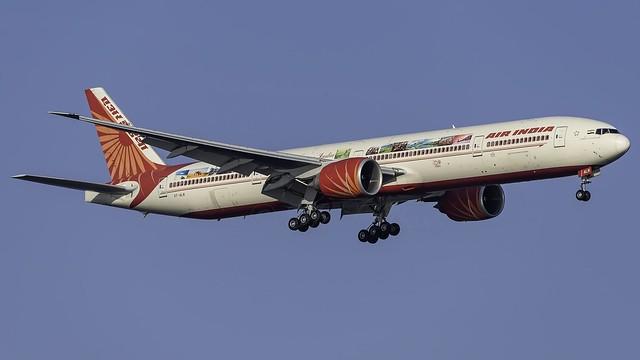 VT-ALN_JFK_Landing_4R_AI_B777_337_ER_CELEBRATING_INDIA