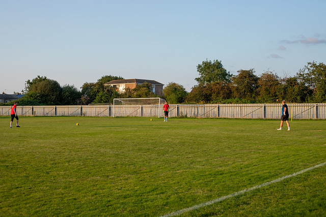 Sutton Common Rovers v Steyning Town