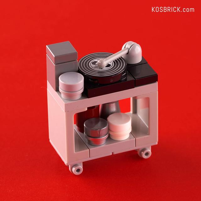 Lego Iron Man Vinyl Player Cart - Hall of Armor (Tutorial)