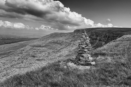 landscape cumbria yorkshiredales mallerstang mallerstangedge hangingstonesscar cairn cloudscape clouds panorama blackwhite monochrome