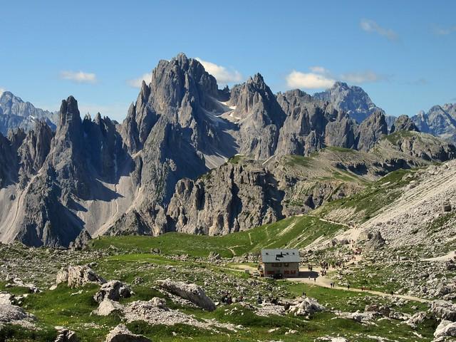 Troppa gente ..... Dolomiti Italia
