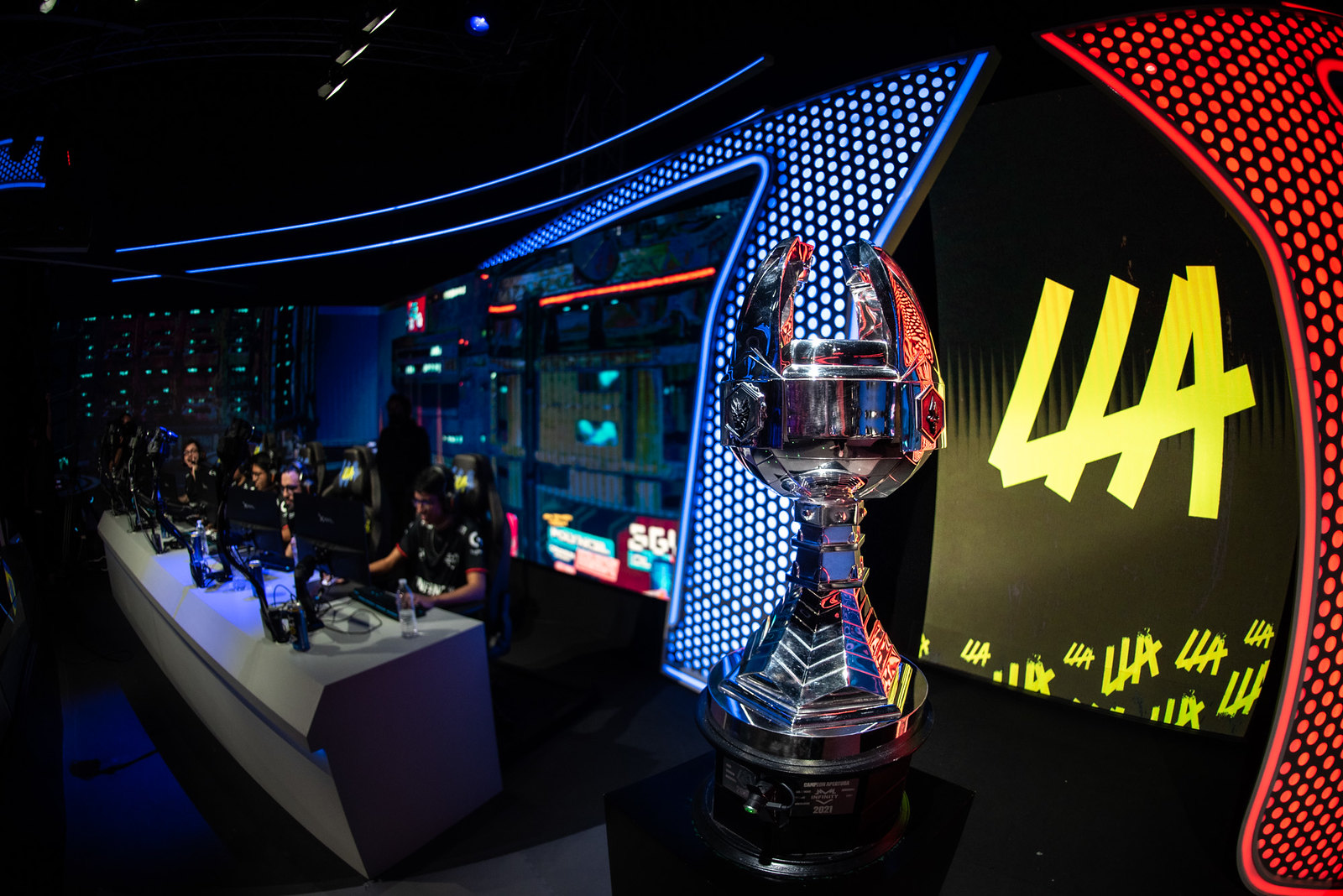 INFINITY es el bicampeón de la LLA y representará a Latinoamérica en Worlds 2021