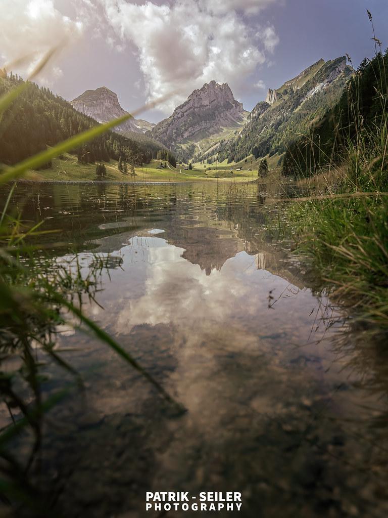 DREAM OF MIRRORS - Switzerland