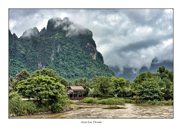 Vang-Vieng, le paradis perdu