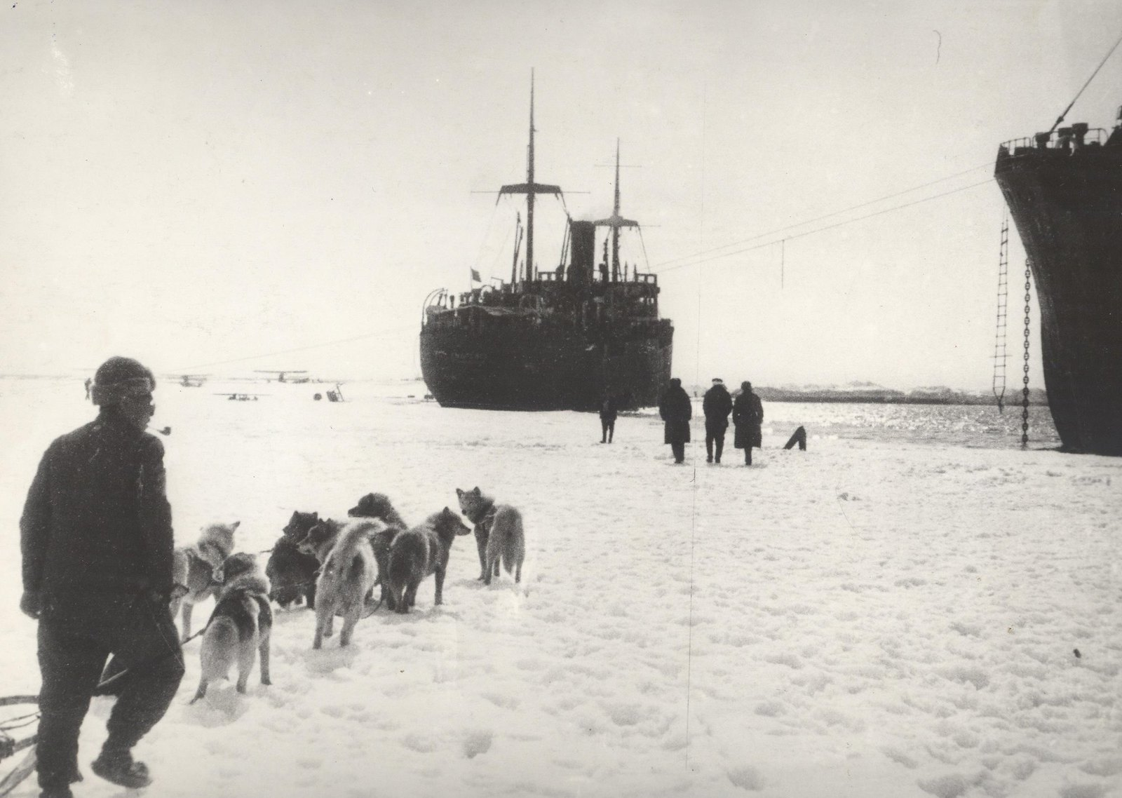 1934. Экспедиция по спасению челюскинцев. Бухта Провидения