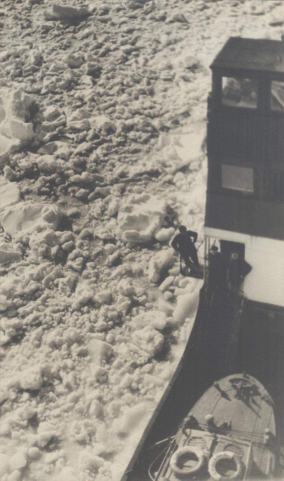 1934. Экспедиция по спасению челюскинцев. Пароход «Смоленск»
