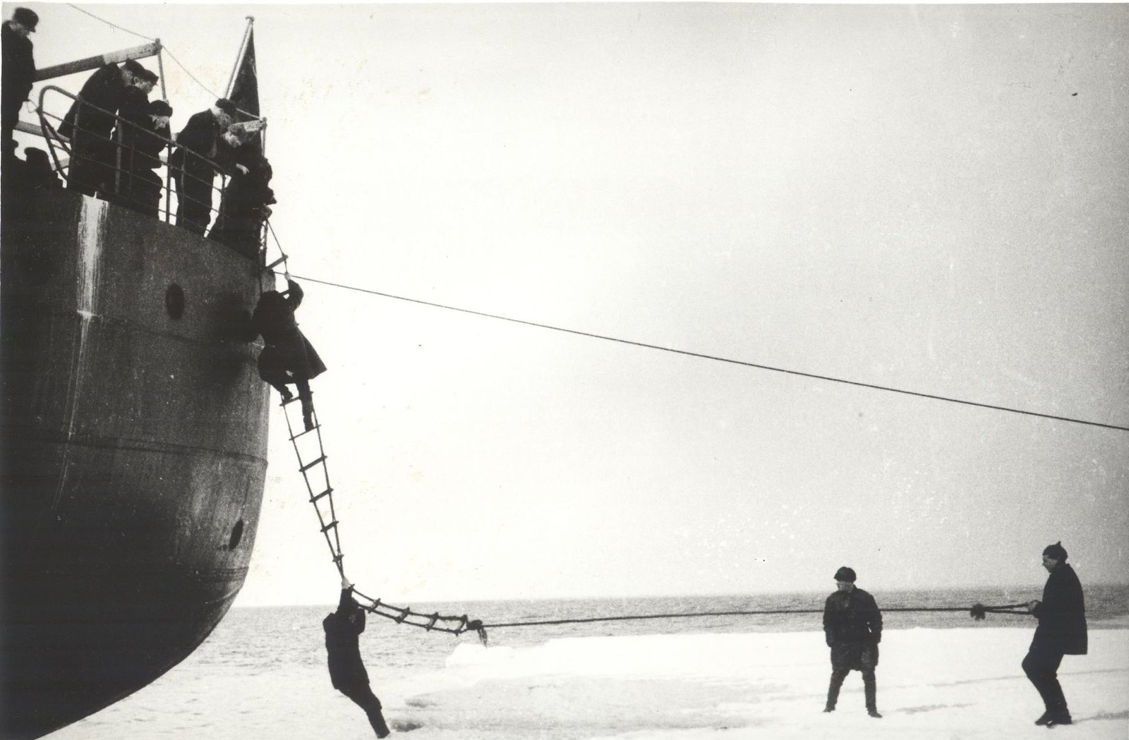 1934. Экспедиция по спасению челюскинцев  (2)