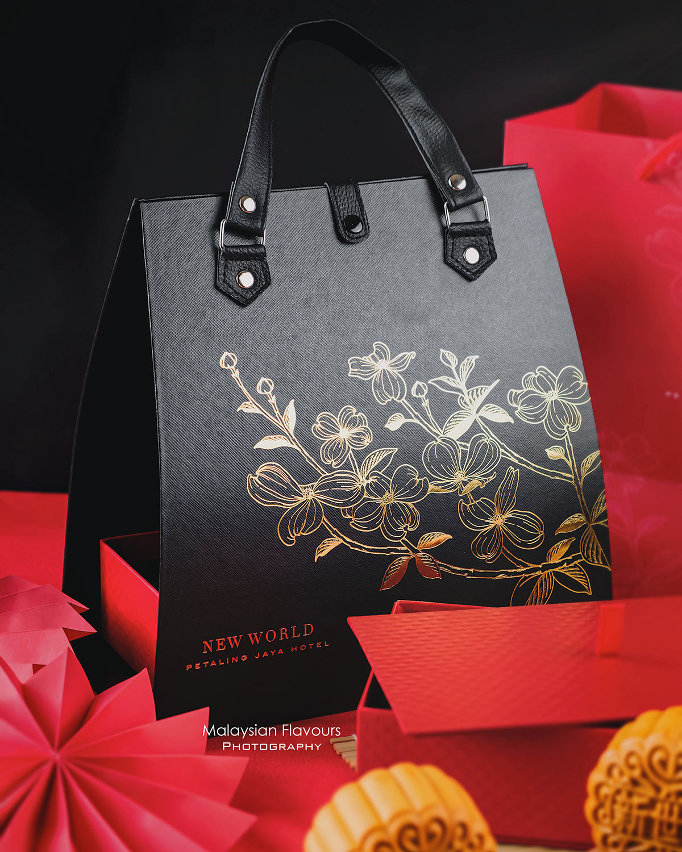 New-World-Petaling-Jaya-Hotel-mooncake-1