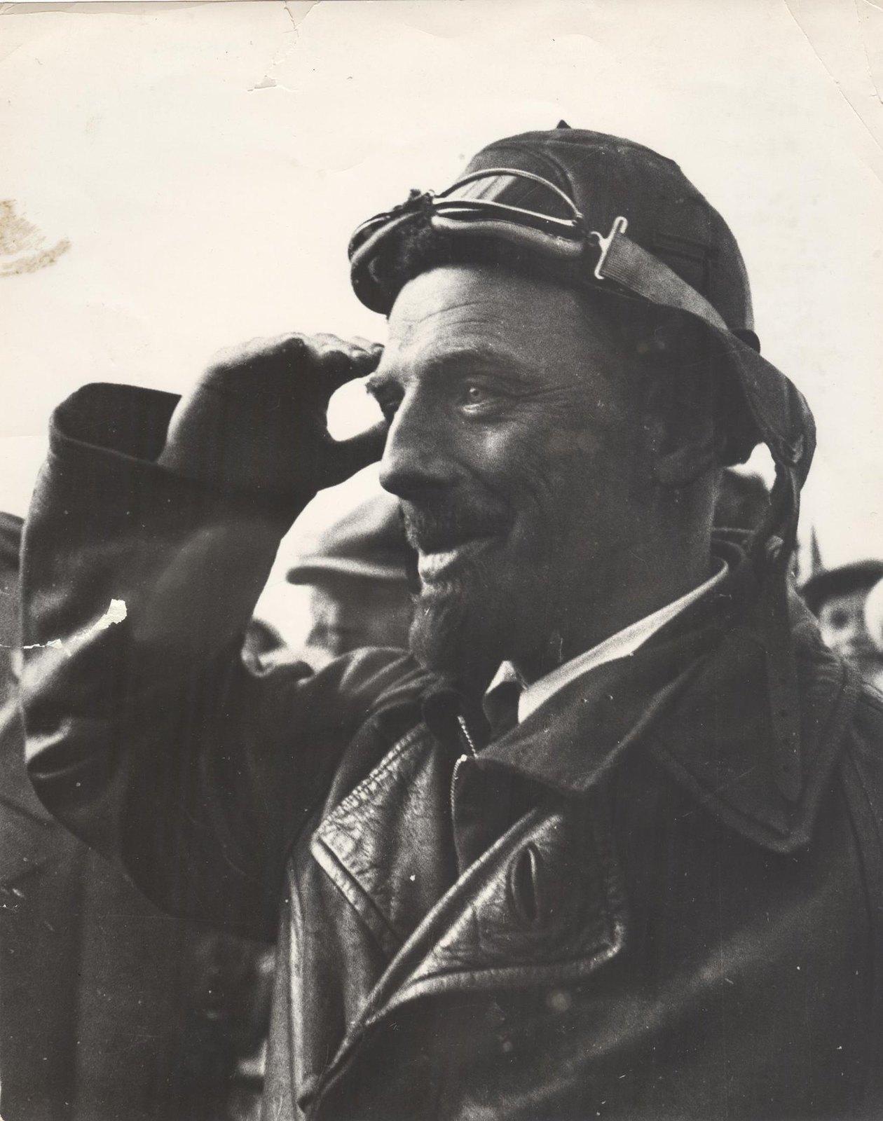 1934. Экспедиция по спасению челюскинцев. Летчик Фарих Ф.Б.
