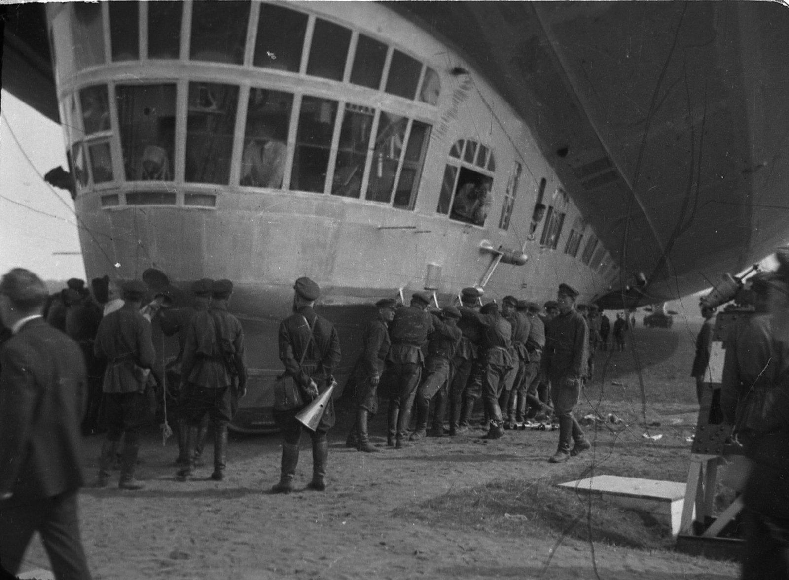 1930. Дирижабль «Graf Zeppelin». (3)