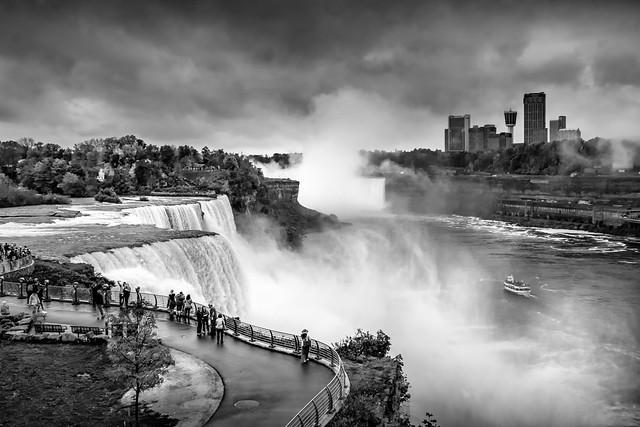 Niagara en N&B