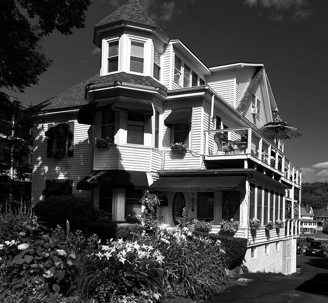 Harbour Towne Inn