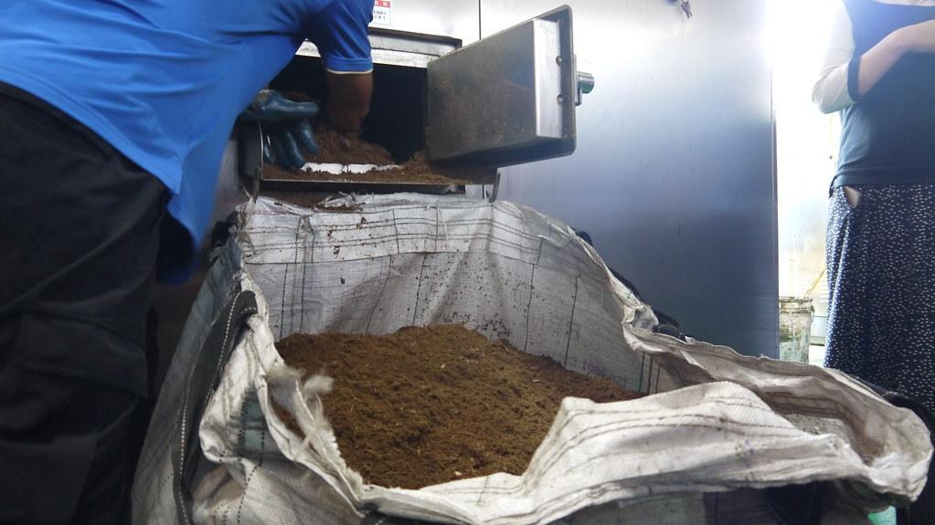 20210828新竹市高效廚餘處理廠。由廚餘生成的有機介質可應用於農業栽培生產。黃思敏攝