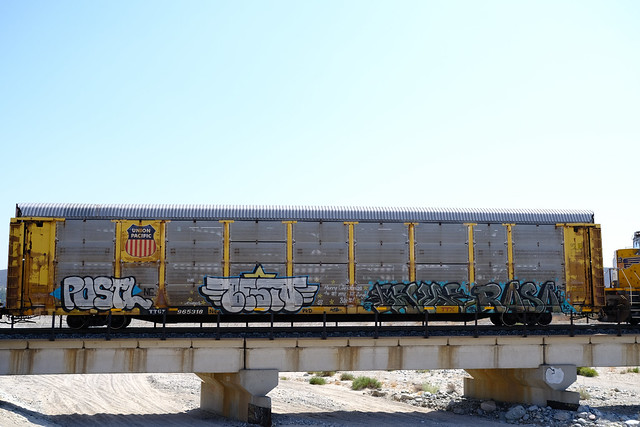 Benching Freight Train Graffiti in SoCal (August 20th 2021)