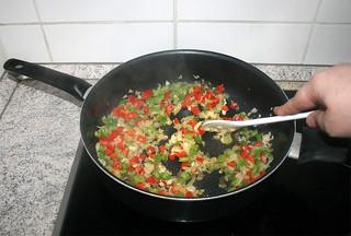 18 - Braise garlic / Knoblauch mit andünsten